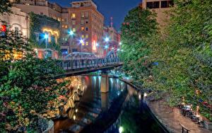 Fotos USA Haus Flusse Brücken Texas Nacht Straßenlaterne San Antonio