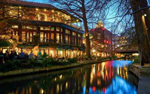 Fotos USA Haus Texas Nacht Kanal Straßenlaterne San Antonio