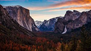 Fotos Vereinigte Staaten Park Gebirge Wälder Herbst Wasserfall Yosemite Natur
