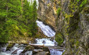 Bilder Vereinigte Staaten Wasserfall Washington Felsen Bäume HDRI Granite Falls Spokane Natur