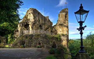 Bilder Vereinigtes Königreich Burg Ruinen Straßenlaterne Zaun Knaresborough Castle North Yorkshire