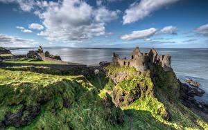Fotos Vereinigtes Königreich Küste Burg Ruinen Himmel Felsen Wolke Northern Ireland, Dunluce Castle Natur
