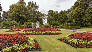 Desktop hintergrundbilder Vereinigtes Königreich Garten Skulpturen Rasen Design Strauch Waddesdon Manor Gardens Natur