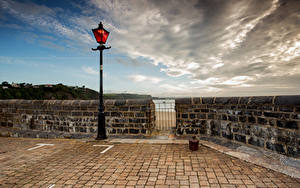 Bilder Vereinigtes Königreich Wales Waterfront Wolke Straßenlaterne Tenby, Pembrokeshire
