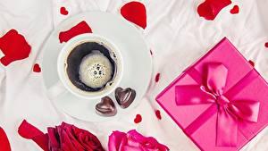 Bilder Valentinstag Bonbon Kaffee Schleife Geschenke