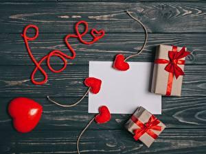 Fotos Valentinstag Geschenke Herz Bretter Vorlage Grußkarte