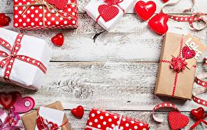 Bilder Valentinstag Herz Geschenke Vorlage Grußkarte Bretter