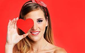 Wallpapers Valentine's Day Red background Heart Smile Hands Girls