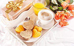 Pictures Valentine's Day Roses Coffee Juice Cappuccino Bread Breakfast Cup Highball glass Heart Food Flowers