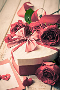 Papel de Parede Desktop Dia dos Namorados Rosa Presentes Laço Coração flor
