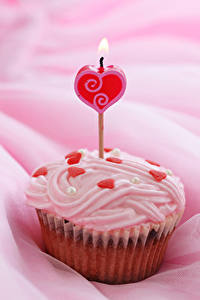 Papel de Parede Desktop Dia dos Namorados Doçarias Velas Cupcake Coração Alimentos