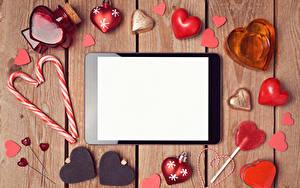 Fotos Valentinstag Tablet-Computer Süßware Bretter Vorlage Grußkarte Herz