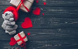 Bilder Valentinstag Knuddelbär Bretter Herz Vorlage Grußkarte Geschenke