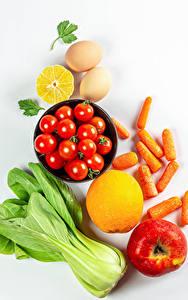 Hintergrundbilder Gemüse Mohrrübe Tomate Äpfel Zitrone Weißer hintergrund Ei das Essen