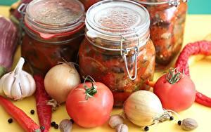 Bilder Gemüse Chili Pfeffer Tomate Zwiebel Knoblauch Gewürze Einweckglas Lebensmittel