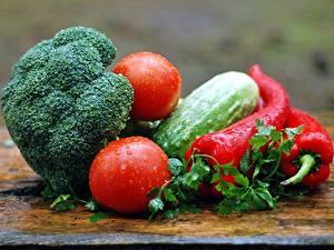 Hintergrundbilder Gemüse Gurke Paprika Tomate Tropfen