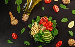 Hintergrundbilder Gemüse Ingwer Tomaten Avocado Grauer Hintergrund Flasche Öle Lebensmittel
