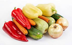 Hintergrundbilder Gemüse Zwiebel Paprika Mohrrübe Gurke Zucchini Weißer hintergrund das Essen
