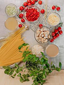 Desktop wallpapers Vegetables Tomatoes Cheese Chicken as food Pasta Food