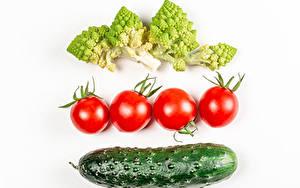 Hintergrundbilder Gemüse Tomaten Gurke Brokkoli Weißer hintergrund Lebensmittel