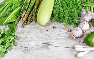 Hintergrundbilder Gemüse Zucchini Dill Knoblauch Bretter Spargel das Essen