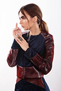 Desktop hintergrundbilder Viacheslav Krivonos Model Hand Braunhaarige Make Up Alisa Mädchens