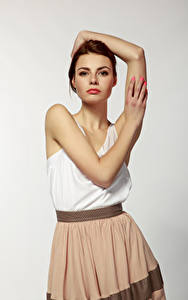 Bilder Viacheslav Krivonos Model Posiert Braunhaarige Hand Starren Alona Mädchens