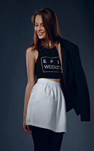 Desktop hintergrundbilder Viacheslav Krivonos Model Braune Haare Posiert Lächeln Rock Unterhemd Anna junge frau