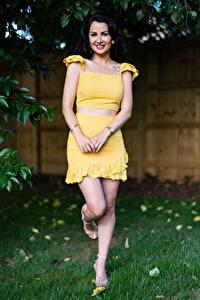 Bakgrunnsbilder Victoria Bell Brunette jente Posere Smil Ben Blikk ung kvinne