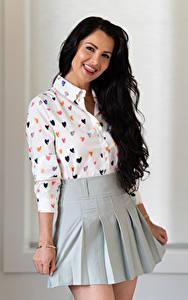 Hintergrundbilder Victoria Bell Brünette Posiert Pose Rock Bluse Zunge Blick Mädchens