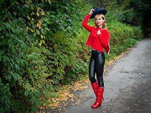 Hintergrundbilder Victoria Borodinova Strauch Blond Mädchen Posiert Der Hut Stiefel junge frau