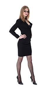Fotos Virtuagirlhd Merry Pie Dunkelbraun Anzug Brille Hand Bein High Heels Strumpfhose junge Frauen