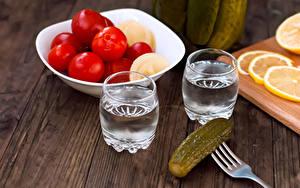 Fotos Wodka Gurke Tomate 2 Dubbeglas