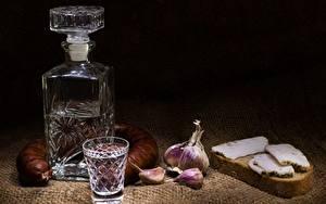 Bilder Wodka Wurst Knoblauch Brot Flasche Dubbeglas Salo - Lebensmittel