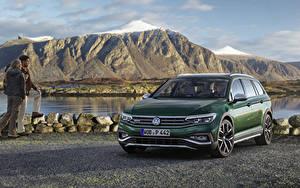 Image Volkswagen Green Metallic 2019 Passat Alltrack Worldwide