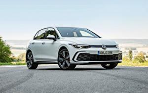 Bakgrundsbilder på skrivbordet Volkswagen Vit Metallisk Golf GTE, 2020