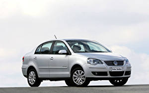 Bakgrundsbilder på skrivbordet Volkswagen Silver färg Metallisk Polo Sedan Comfortline 1.6 8V, 2009