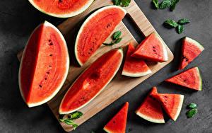 Hintergrundbilder Wassermelonen Schneidebrett Stücke das Essen