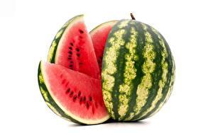 Hintergrundbilder Wassermelonen Stück Weißer hintergrund Lebensmittel