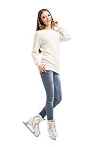 Hintergrundbilder Weißer hintergrund Braunhaarige Schlittschuh Sweatshirt Jeans Mädchens