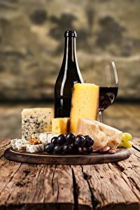 Bilder Wein Käse Weintraube Flaschen Weinglas Schneidebrett