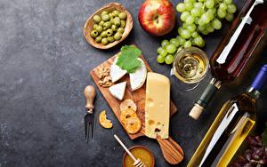 Bilder Wein Weintraube Äpfel Oliven Käse Schneidebrett Flasche Weinglas
