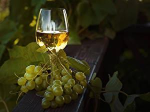 Fondos de Pantalla Vino Uvas Vaso de vino