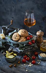 Hintergrundbilder Wein Backware Tomate Gurke Stillleben Weinglas Getreide Lebensmittel