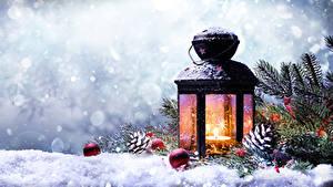Bilder Winter Neujahr Schnee Laterne Ast Zapfen Kugeln