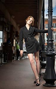 Fotos Model Pose Kleid Bein Starren Zoe
