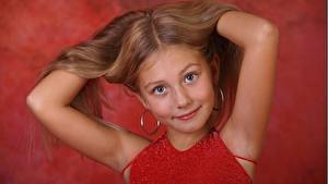 Pictures Hands Little girls Modelling Staring Hair alissa child