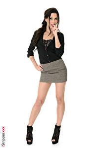 Fonds d'écran iStripper Alexa Tomas Cheveux noirs Fille La pose Main Jupe Jambe Talon aiguille Fond blanc Filles