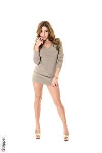 Bilder iStripper Weißer hintergrund Braunhaarige Kleid Hand Bein Stöckelschuh Ally Breelsen Mädchens