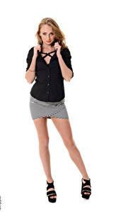 Desktop hintergrundbilder iStripper Ivana Sugar Weißer hintergrund Dunkelbraun Hand Bein Junge frau Mädchens